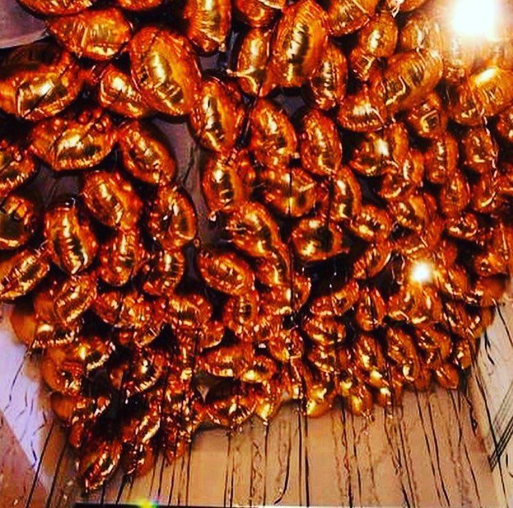 Оформление потолка шарами в осенних цветах