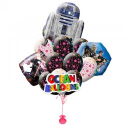 Композиция воздушных шариков R2D2 среди звёзд