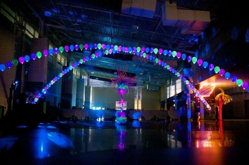 Оформление танцпола светящимися шарами
