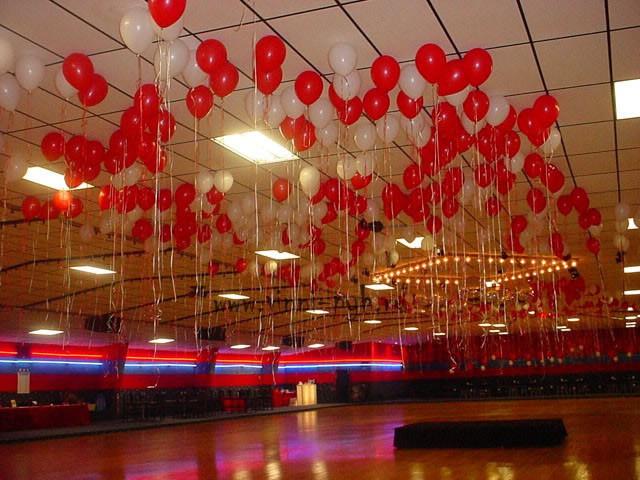 Украшение танцпола шарами под потолок