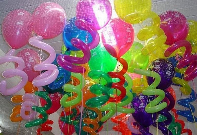 Шары-спирали украшение комнаты на День рождения