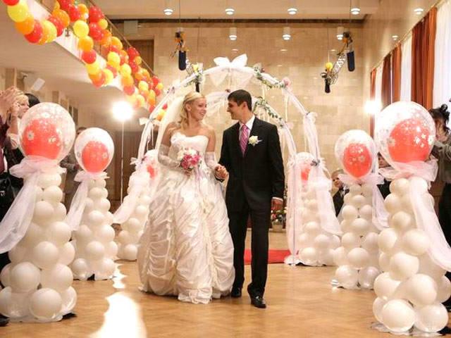 Свадебные фигуры из шаров