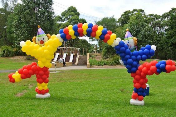 Арка из шаров Разноцветные клоуны
