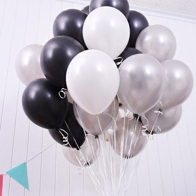 Облако «Белое, черное, серое» из 30 гелиевых шаров