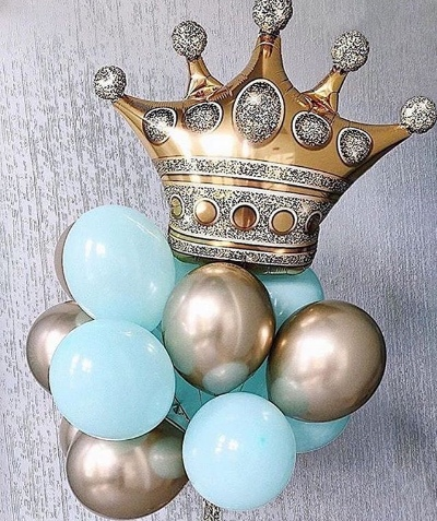 Композиция «Королева» из серебряных и голубых шаров