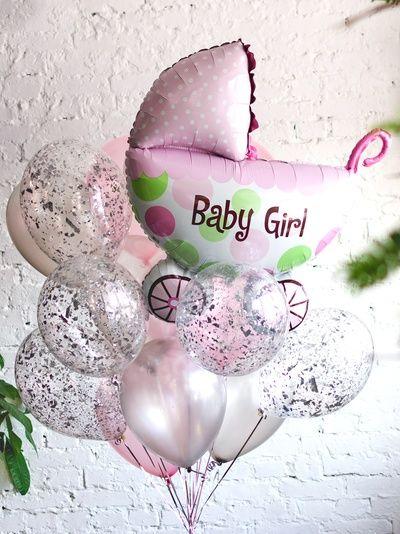 Композиция «На выписку» из прозрачных шариков для девочки