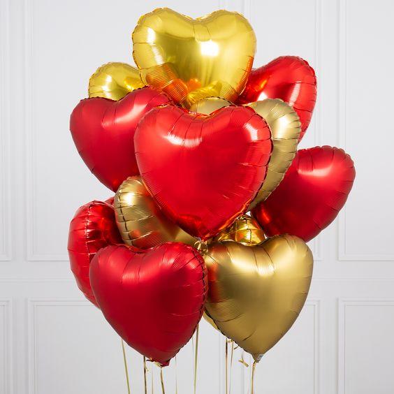 Облако «Красное и Золотое» из 13 сердец
