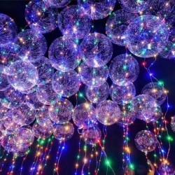 Прозрачные сферы на светящихся лентах под потолком